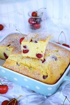 BIZCOCHO de cerezas Fruit Recipes, Sweet Recipes, Cake Recipes, Healthy Cake, Healthy Baking, Cupcakes, Cupcake Cakes, Queen Cakes, Sweet Little Things