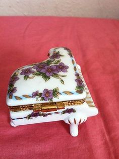 Beautiful Hand Painted Lefton China Golden Piano Trinket Box Rare!! (04/14/2013)