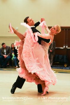 Arunas Bizokas and Katusha Demidova at the Washington Open 2013. Visit http://ballroomguide.com/workshop/standard.html for info about Standard workshops from the pros.