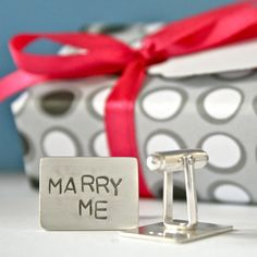 Great cufflinks for proposing on the leap year!! A leap year only comes around every 4 years, and in Britain it's tradition that on that extra day on the 29th February, it is 'allowed' for women to propose.
