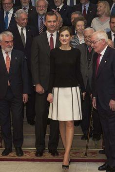 Royals & Fashion: Assemblée plénière de l'académie royale espagnole, Madrid
