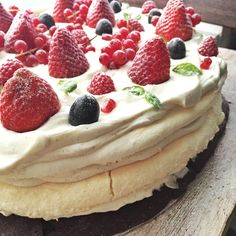 Pavlova by Hadean Pavlova, Recipies, Cheesecake, Sweets, Baking, Desserts, Food, Recipes, Tailgate Desserts