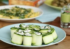 Recept: Courgetterolletjes met geitenkaas Recipe: Zucchini rolls with goat's cheese www.bettine.nl