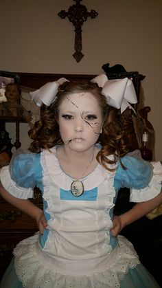 cracked porcelain doll makeup halloween makeup. Black Bedroom Furniture Sets. Home Design Ideas