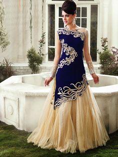 Classic collection of lehenga choli designs for teenagers. Lehenga Choli Fashion is popular from the perspective of the party. Lehenga Choli Designs, Lehenga Choli Online, Designer Salwar Kameez, Designer Anarkali, Party Wear Maxi Dresses, Prom Dresses, Formal Dresses, Ladies Dresses, Indian Dresses