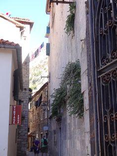 lojas em todas as ruas Kotor-Montenegro