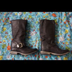 "Steve Madden ""Fyzzle"" leather boots!Bundle=20% OFF Awesome pair of Steve Madden ""Fyzzle"" black leather, mid calf boots size 7! Features full length back zipper with blue trim. These are in great gently used condition with very little signs of wear such as very light scuffing around toe area. Bundle 2 or more items and save 20%!! OR make me a reasonable offer via the ""Offer"" button! Steve Madden Shoes Combat & Moto Boots"