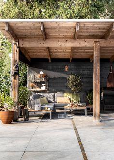 Backyard Pergola DIY - Pergola De Madera Circulares - Black Pergola Patio Videos Ideas There Black Pergola, Back Gardens, Diy Pergola, Exterior, Diy Patio