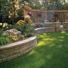 38 Amazingly Green Front-yard & Backyard Landscaping Ideas Get Basic Engineering, Home Design & Home Decor. Amazingly Green Front-yard & Backyard Landscaping Ideasf you're anything like us, y Diy Retaining Wall, Backyard Retaining Walls, Retaining Wall Design, Concrete Retaining Walls, Concrete Blocks, Concrete Walls, Brick Pavers, Stained Concrete, Concrete Patio
