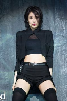 Girl Group T-Ara's Jiyeon, the first member of the group who had solo activities and whose first solo album Never Ever swept music charts … Stage Outfits, Kpop Outfits, South Korean Girls, Korean Girl Groups, T Ara Jiyeon, Park Ji Yeon, Grunge Girl, Soyeon, Professional Outfits