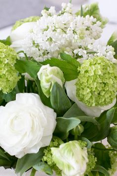 www.sommarbacka.fi Spring Day, Spring Green, Pretty Flowers, White Flowers, Hello March, White Gardens, Floral Arrangements, Bouquet, Home And Garden
