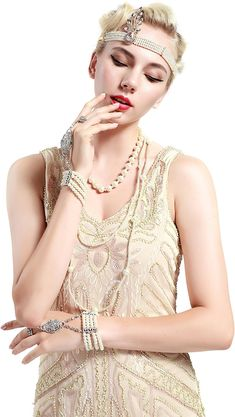 69df2f77c6a2 BABEYOND Women s Flapper Dresses 1920s V Neck Beaded Fringed Great Gatsby  Dress (Beige