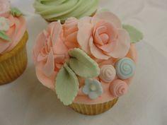 Gorgeous wedding cupcakes