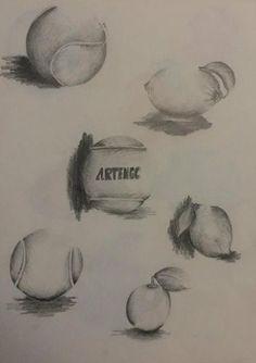 """Horacio Lo Greco, professeur de dessin, vous a concocté une sélection de travaux d'étudiants en MANAA (Lucie, Lory, Lina et Camille). Pour leur premier exercice de l'année, ils devaient réaliser des dessins """"analogie"""" (balle de tennis vs citron, craquotte vs carton, éponge vs pain de mie, souris vs savonnette...). Leurs outils de travail : crayon, feutre, crayon couleur pour s'exercer au contraste, au volume, à la couleur... Plutôt réussi pour un premier exercice, non ?"""