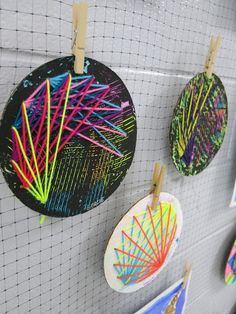 Cassie Stephens: In the Art Room: Art Show Displays, string art High School Art, Middle School Art, Arte Linear, Weaving Projects, Diy Projects, 4th Grade Art, Art Lessons Elementary, Elementary Teacher, Elementary Education