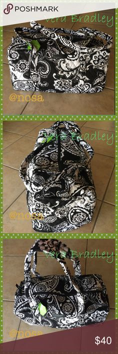 ☘️Vera Bradley☘️Small Duffel Midnight Paisley Bag ⚡️Price Firm ⚡No Trades!! 🌻Very light and foldable! Carry on size!  🌻Size: 18.5x 9.5x 9.5 (I have a matching large Duffel as well!)  🌻New with tags 🌻Color: Midnight Paisley  🌻Check my other Vera Bradley items!! 9429 Vera Bradley Bags Travel Bags