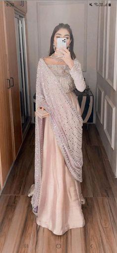 Fancy Dress Design, Bridal Dress Design, Stylish Dress Designs, Dress Indian Style, Indian Fashion Dresses, Girls Fashion Clothes, Pakistani Dresses Casual, Pakistani Dress Design, Saree Designs Party Wear