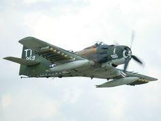 El Douglas A-1 Skyraider es uno de los aviones embarcados más importantes de la historia, y de los pocos que logró la transición al empleo terrestre a gran escala.