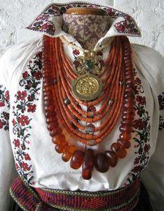 Coral Jewelry, India Jewelry, Tribal Jewelry, Jewelry Art, Jewelry Gifts, Women Jewelry, Fashion Jewelry, Boot Jewelry, Chunky Jewelry