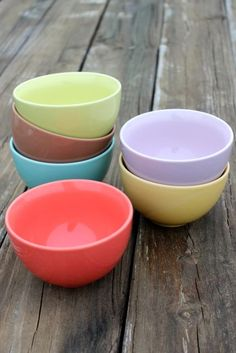 Stoneware Bowls in Retro Colors, Set of 6