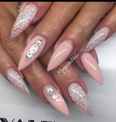 ▷ ideas for pointed nails - design and design nägel bil . - ▷ ideas for pointed nails – framing and design nails pictures ideas to design p - Fancy Nails, Bling Nails, Trendy Nails, Pink Bling, Pink Glitter, Stiletto Nails Glitter, Glitter Rosa, Coffin Nails, Pink Manicure