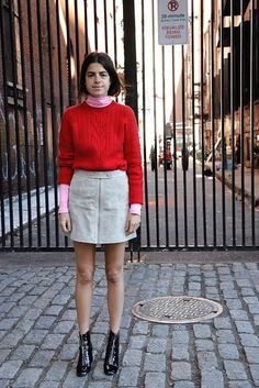 WORK: turtleneck + sweater + longer A-line skirt. Celebrity Style Inspiration, Celeb Style, My Style, Leandra Medine, Velvet Goldmine, Alexa Chung, Casual Outfits, Fashion Outfits, Women's Fashion