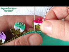 Crochet Flower Tutorial, Crochet Flowers, Tambour Embroidery, Embroidery Stitches, Helly Hansen, Needle Lace, Baby Knitting Patterns, Flower Crafts, Art Dolls