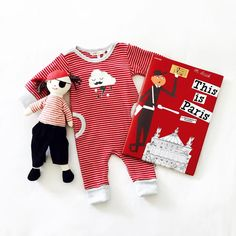 Loving this little red and white set! ❤️☁️✔️ #sparrowcouture #redandwhite #kidsbooks #kidsreading #nanahuchy #foxandfinchbaby