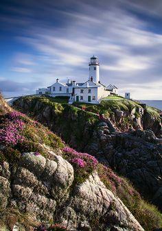 #MietwagenTips: Fanad Head Lighthouse in Donegal, Irland. Hier gibts die passende Mietwagenroute mit auf dem Weg: http://www.mietwagen.tips/14-tage-grosse-irland-rundreise-2