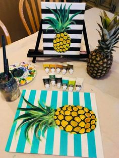 Easy Pineapple Painting On Canvas - Step By Step Painting Learn to paint this fun summer themed painting. Great for a summer party, paint night DIY Easy Pineapple Painting On Canvas - Step By Step Painting Learn to paint this fun summer themed painti Small Canvas Paintings, Cute Paintings, Easy Canvas Painting, Diy Canvas Art, Canvas Crafts, Diy Painting, Acrylic Canvas, Drawing On Canvas, Acrylic Table
