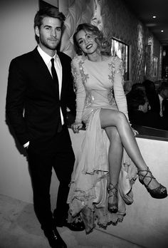 Liam Hemsworth and Miley Cyrus!