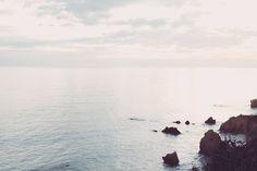 insta: @allisoncarolcreatives #photography #photographer #beach #malibu #california #wander #wanderlust #rocks #ocean #sky #coast #coastline #elmatadorbeach