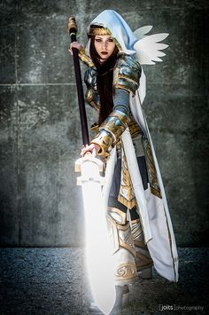 Elspeth (from Magic the Gathering) being cosplayed by Christine Mubb Sprankle