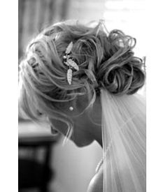 bun and veil Wedding Hairstyles With Veil, Bride Hairstyles, Bridal Shoot, Bridal Hair, Wedding Beauty, Mode Style, Hair And Nails, Hair Inspiration, Hair Makeup