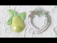 Irina Gerschuk - to ways to color resin embellishments - YouTube