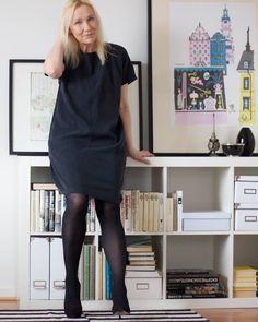 Vi er vilde med den Finske blogger Saras minimalistiske og cool nordiske stil - den passer perfekt til BLACK SWAN. Vi elsker at hun mikser flere sæsoner, for det er jo netop det vi har tænkt at man skal kunne med vores kollektioner! Læs små interview bidder om Saras tanker herunder.  http://us5.campaign-archive1.com/?u=ad435df3daa5fc917f0cc9ab7&id=9a40a3edd2&e=76617caf4c http://www.blackswanfashion.dk/produkt-visning/fawn-dress.aspx…