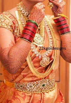 Bride in Traditional South Indian Jewellery - Indian Jewellery Designs South Indian Bridal Jewellery, Indian Jewellery Design, Indian Bridal Wear, Indian Jewelry, Bridal Jewelry, Gold Jewellery, Jewellery Designs, Gold Bangles, Ear Jewelry