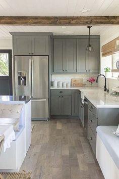 123 cozy and chic farmhouse kitchen cabinets ideas (83)