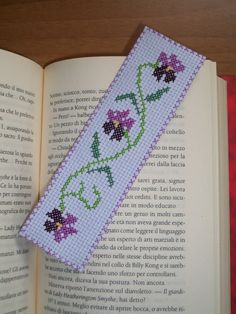 embroidered cross stitch bookmark by ILfiloDIadriana on Etsy 123 Cross Stitch, Cross Stitch Beginner, Cross Stitch Bookmarks, Simple Cross Stitch, Cross Stitch Borders, Cross Stitch Designs, Cross Stitching, Cross Stitch Embroidery, Hand Embroidery