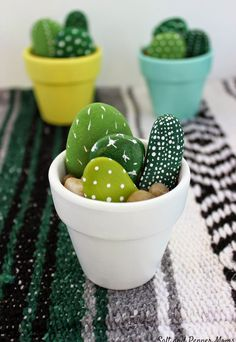 Hand Painted Mini Cactus - Office Desk - Ideas of Office Desk - The . Handwerk ualp , Hand Painted Mini Cactus - Office Desk - Ideas of Office Desk - The . Hand Painted Mini Cactus - Office Desk - Ideas of Office Desk Stone Crafts, Rock Crafts, Cute Crafts, Diy And Crafts, Simple Crafts, Recycled Crafts, Easy Crafts To Sell, Budget Crafts, Diy Crafts Summer