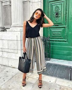 Work Outfits Women - Summer Stripe Culottes Outfit Idea for Work - Elegant Summer Outfits, Casual Work Outfits, Professional Outfits, Spring Outfits, Trendy Outfits, Fashion Outfits, Womens Fashion, Summer Work Dresses, Summer Outfits Women 20s