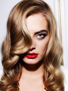 vintage hairstyles is on the way, and we meant it! This look is elegant, classic, and is making a strong trend upward.