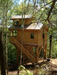 Check out 17 Tiny Houses That Will Make You Swoon at http://pioneersettler.com/tiny-houses/