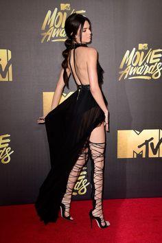 Kendall Jenner ousa no red carpet do MTV Movie Awards