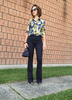 amydressed-flare-jeans-printed-blouse.jpg