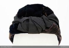 Hat laget av stiv strie dekket med sort fløyel. Velvet hat, chapeau de velours. Fashion Backpack, Backpacks, Hats, Velvet, Hat, Women's Backpack, Backpack, Backpacker, Satchel
