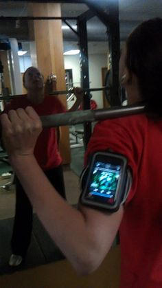 Katie Reed squatting 115 for 18 reps Huh @Buildingthisbody! LOL!