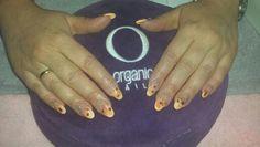 Oranje flower nails