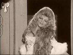 Violetta Villas #polish #singer #curls #longhair #oldschool #70s #diva #glamour #boys #love #inspiration  #gif @white #dress #glitter #shiny #classy #coctail #newyear eve #sexy #slay