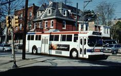 https://flic.kr/p/DUUfdh | SEPTA Trackless Trolley Penn St | AM General Trackless Trolley 897 on Penn St at Foulkrod St about to swing on to Oxford Av.